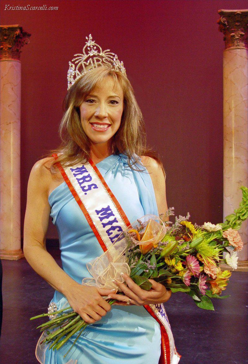 Mrs Michigan 2006 (5)