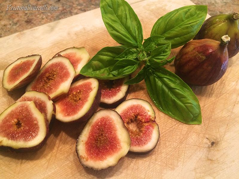 cantaloupe-fig-gorgonzola-salad-3